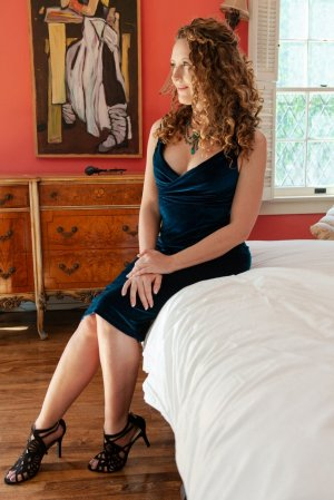 Sathine escort in Purcellville
