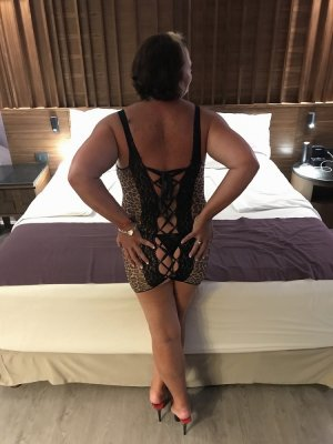 Roberthe vip independent escort in Warrensburg MO